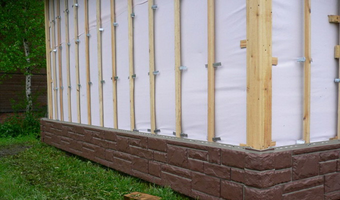 Плитка для отделки углов фасада дома
