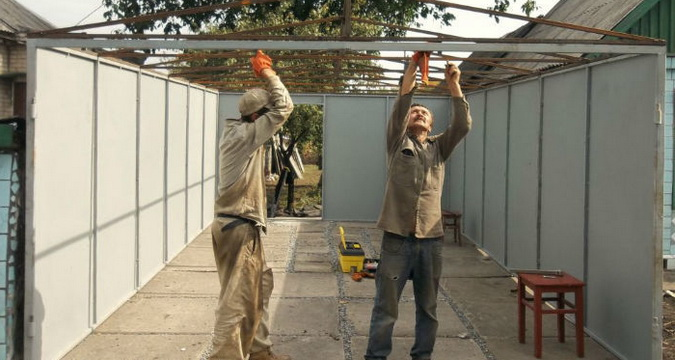 Строительство гаража из профнастила