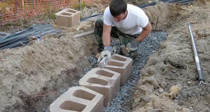 Подпорный бетонный камень