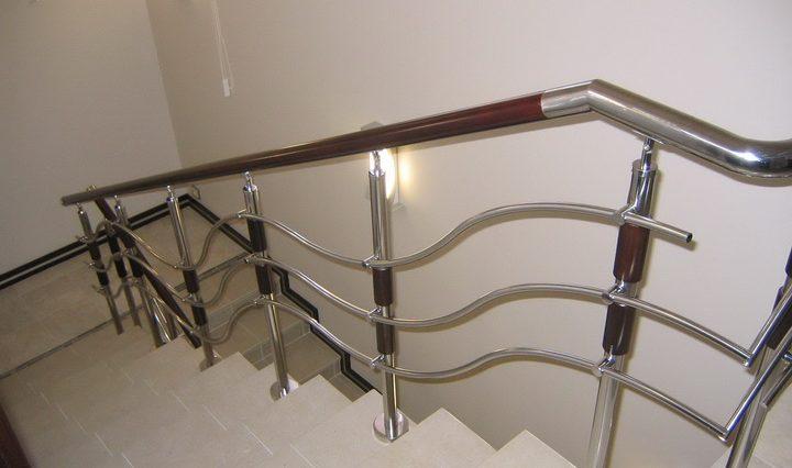 Картинки по запросу Как выбрать ограждения, перила для лестниц в доме